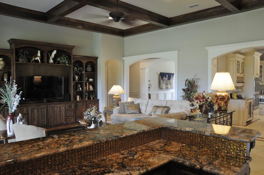 Bayless Custom Homes - Custom Homes Tyler - The White Home Grand Room